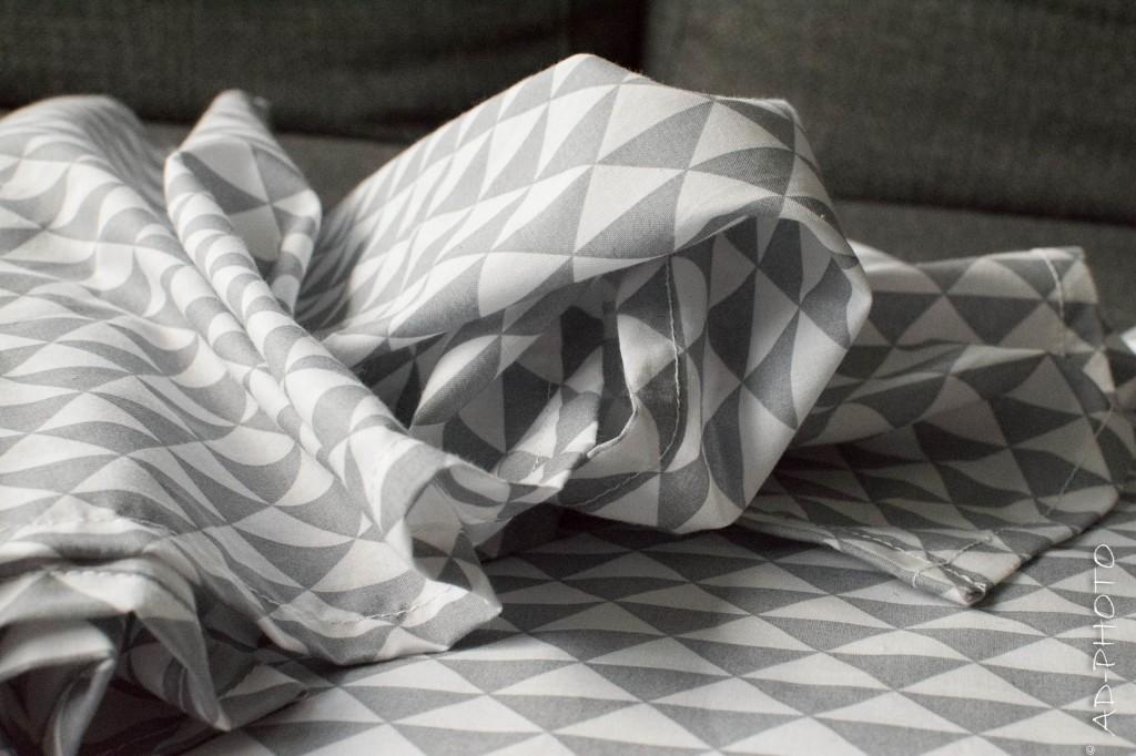 Tissu gris et blanc pour chemin de table - Mariage
