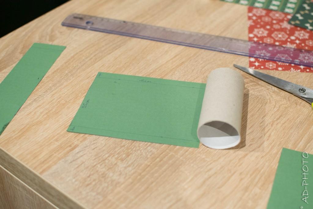 DIY : Enrouler du papier à motif pour décorer les rouleaux de papier toilette - Calendrier de l'avent