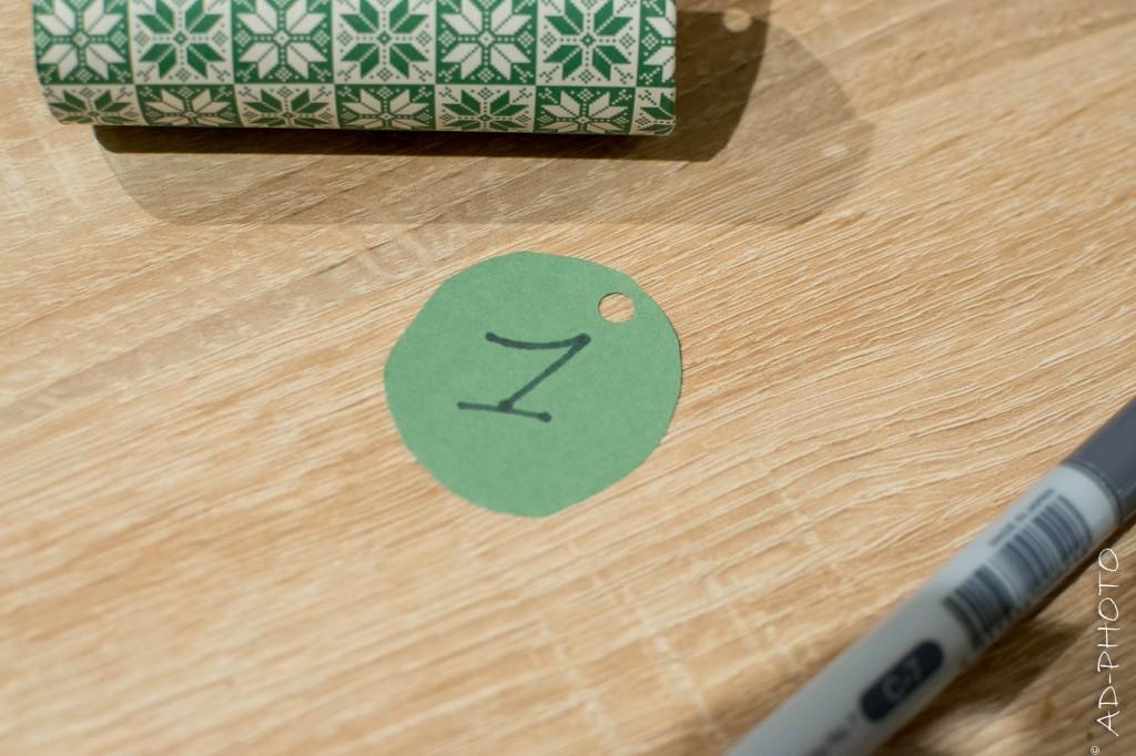 Rond en papier pour cacher les cadeaux du calendrier de l'avent