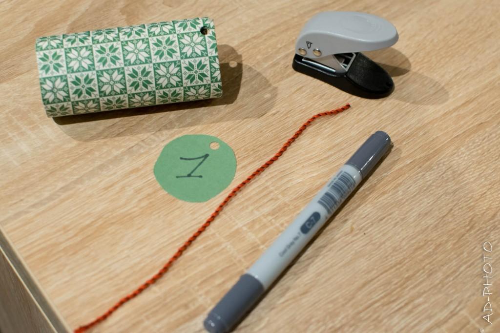 Matériel pour décorer les rouleaux de papier toilette du calendrier de l'avent