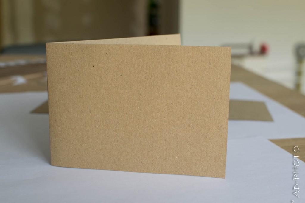 Feuille de papier kraft pour faire de part de baptême