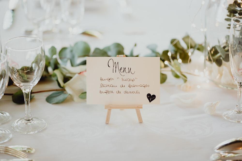 Idée de menu de mariage en papier cartonné !