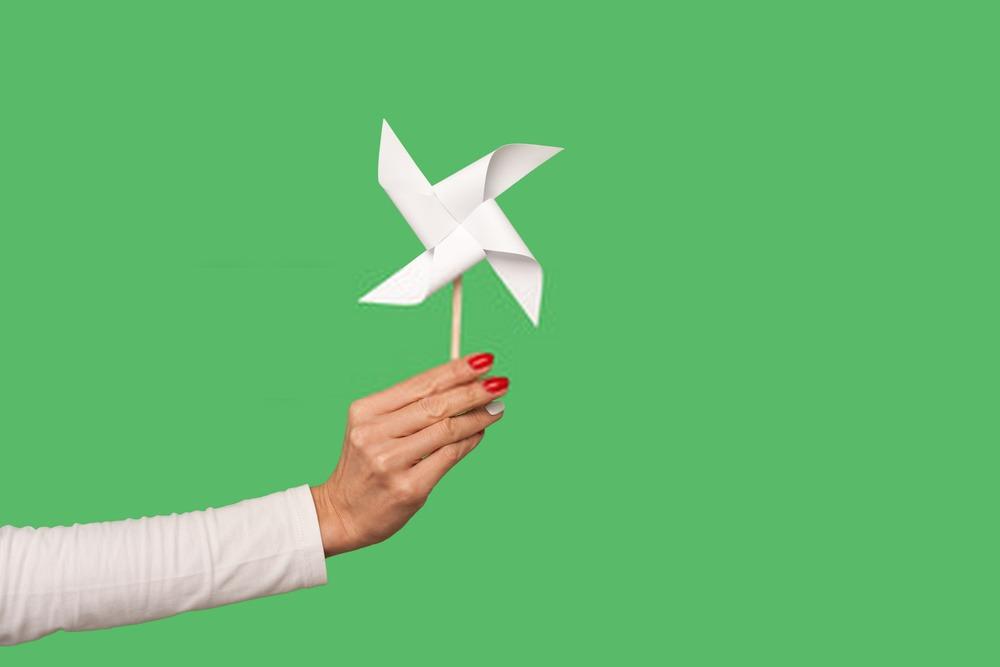 DIY : Réaliser des moulins à vent en papier !