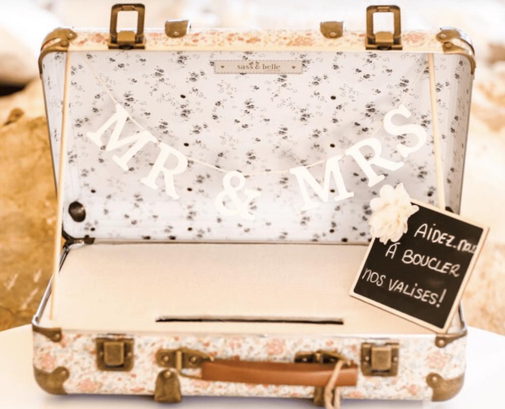 Une valise transformée en urne de mariage !