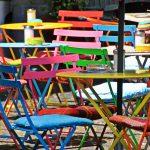 décorer avec des chaises dépareillées