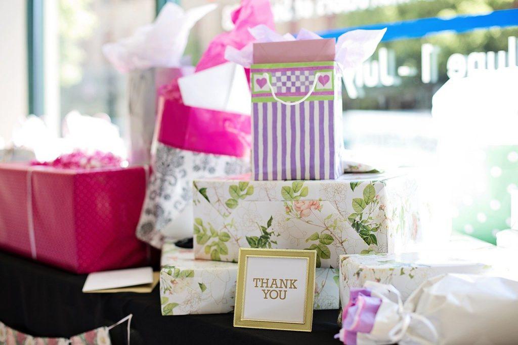 Faire des cadeaux personnalisés de mariage