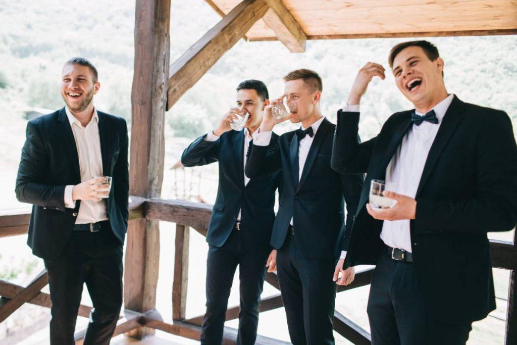 Dressing homme : quelles associations pour une tenue de mariage chic ?